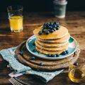 Kuidas valmistada pannkooke ilma muna, piima ja gluteenita?