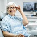 Ухаживать за зубами нужно и в пожилом возрасте!