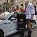 Loo autor Viinis koos erilise jõulumehega