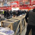 Inimesed kauplustes enne kuuajalist sulgemist