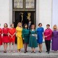 Poola presidendi ametisse vannutamisel kandis grupp parlamendiliikmeid vikerkaarevärvilisi näomaske