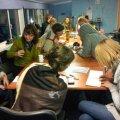 Tudengid tööhoos staabis, milleks oli Päästekomando hoone II korruse seminariruum. Foto: Vihula Valla Leht