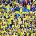 Peterburi MM-i mängule sõitnud Rootsi jalgpallifännid ei saanud Narvas autoga üle piiri