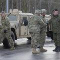 Poola sõjaväelane tervitab Saksa-Poola piiril ameeriklasi, 12. jaanuar