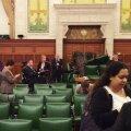 Ottawa tulistaja pääses ruumi ukse taha, kus Kanada peaminister nõupidamisel viibis