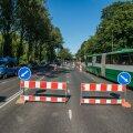 Eile õhtupoolikul oli Narva maantee viiest sõidurajast alles kaks. Ühtegi ehitusmeest aga suletud radadel askeldamas ei paistnud.
