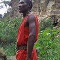 UHKES PUNASES: Masaide väljanägemist täiendavad pea alati ka sandaalid. Berit Renser ja Terje Toomistu