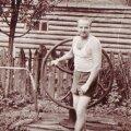 Selle kaevu juures seisab juba minu isa Raimond, aastal 1955.