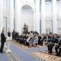 """Putin andis Severodvinski lähedal hukkunud """"unikaalse tehnoloogia"""" katsetajate leskedele kätte ordenid"""