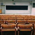 """""""Мы должны внедрить все изменения буквально за неделю!"""" Дистанционное обучение в Тартуском университете — взгляд преподавателей"""