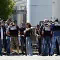 Prantsusmaal Nîmes'is sõitis auto rahva hulka, kaks inimest sai vigastada