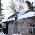 ФОТО   Пожар оставил пожилую женщину без дома
