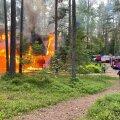 FOTOD | RMK Kilingi-Nõmme metsamaja põles öösel maha
