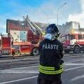 VIDEOD JA FOTOD | Viljandi kesklinnas põlesid kortermaja ja sellega kokku ehitatud ärihoone. Järelkustutustööd käivad