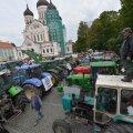 DELFI VIDEOD ja FOTOD: Sajad põllumehed olid koos traktoritega Toompeal meelt avaldamas