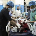Число погибших в результате терактов в Кабуле превысило 100 человек. Байден обещал отомстить