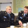 Руководитель Нарвского отдела полиции Сергей Андреев и префект Тарво Крууп