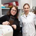 BioCC teadlased Liis Lutter ja Kersti Ehrlich-Peets sõid mitu nädalat šokolaadi, et Inducia šokolaadi jaoks ideaalne maitsekooslus välja töötada.