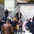 ФОТО | На площади Вабадузе снова митингуют против ограничений