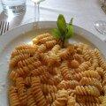 Hea pasta ei vajagi erilisi lisandeid. Piisab kreemikast kastmest ning riivitud Parmesani juustust.