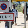 Suurbritannia alustab sisserändajate vastase müüri ehitamist Prantsusmaale Calais'sse