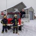 Kaberneeme priitahtlikud päästjad Henry Killandi, Pertti Liitmäe, Rait Killandi ja Volvo TGB 13.