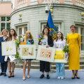 """ГАЛЕРЕЯ   Смотрите, кому в этом году президент Эстонии и канцлер права вручили премию """"С детьми и для детей"""""""