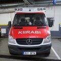 В Ласнамяэ у автобуса лопнуло колесо: стоявшая на остановке женщина попала в больницу