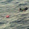 1994: Helikopter otsib ellujäänuid.
