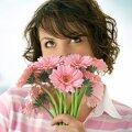 naine lilledeg