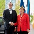 Toomas Hendrik Ilves kohtus liidukantsler Angela Merkeliga.