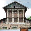 ФОТО | Башни, шалаши, корабли: россияне не хотят жить в обычных домах и строят себе жилища самых безумных форм