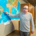 Olavi Kurina näitab kaardil eksootilist paika, kus tema tiim avastas uued sääseliigid