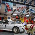 Mootorispordimuuseumis avati Kaili Aaviku auto- ja autospordimaalide näitus