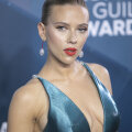 FOTOD | Näitleja Scarlett Johanssoni 3 lemmikut püksipaari, mida ka sina võiksid nüüd kanda