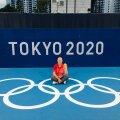Kairi Karpa puhkehetkel Tokyo olümpia tenniseväljakul.