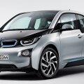 BMW i3 sõidab elektriga, bensiin aitab akut laadida.