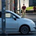 Joosep Tiks jalgrattaga liikluses