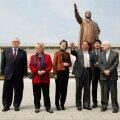 Jimmy Carter (paremal) väisas Pyongyangi viimati 2011. aastal