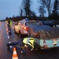 DELFI FOTOD: Politsei tegi Viljandimaal juhtidele lauskontrolli