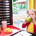 7 главных опасностей нездорового питания в детстве