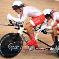 Marcin Polak (paremal) ja tema piloot Michal Ladosz. Nägemispuudega ratturid sõidavad paraolümpial tandemrattaga.