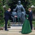 Viimati kohtusid vennad oma vanaisa prints Philipimatustel. Seekord tõi neid kokku nende emamälestusmärgi avamine.