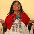 Mona Polacca jagab Indiaanilaagrilistele oma rahva pärimust