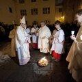 FOTOD: Katoliiklased kogunesid paasaöö jumalateenistusele