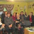 Suure-Jaani vallavanem Tõnu Aavasalu Saue valla delegatsioonile koduvalda tutvustamas.