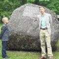 Isa-poja vestlus Johannes Richard Seppingu (paremal) ja Henry Keesi esituses