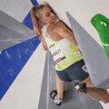 Janja Garnbret bouldering'i probleemil