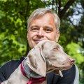 Kulus aastaid, aga nüüd on mu peres Maximillian, kes käib varjuna mu kannul, ütleb õnnelik koeraomanik Neeme Raud.