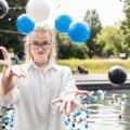 Trinity Liisa Lotta Kannus kandideeris mitmekümnesse firmasse, kuni lõpuks sai koristajakoha.
